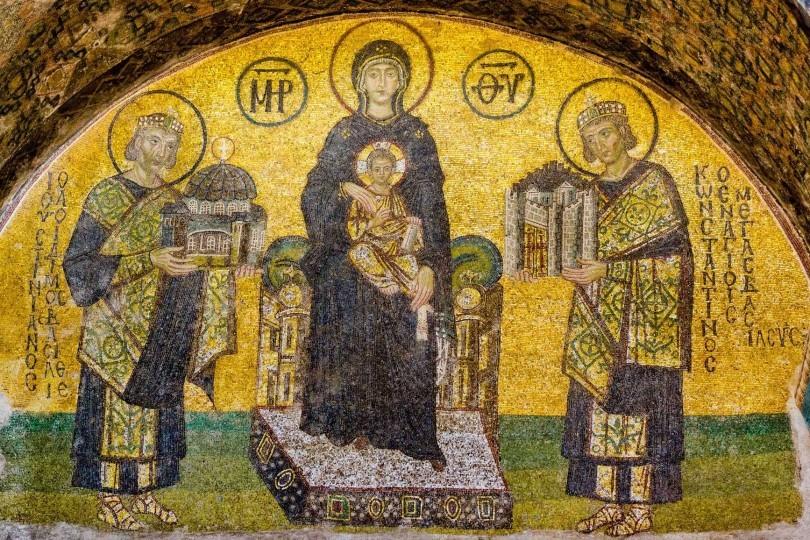 আয়া সোফিয়া: ইতিহাস আর ঐতিহ্যে পূর্ণ এক স্থাপত্যশৈলী